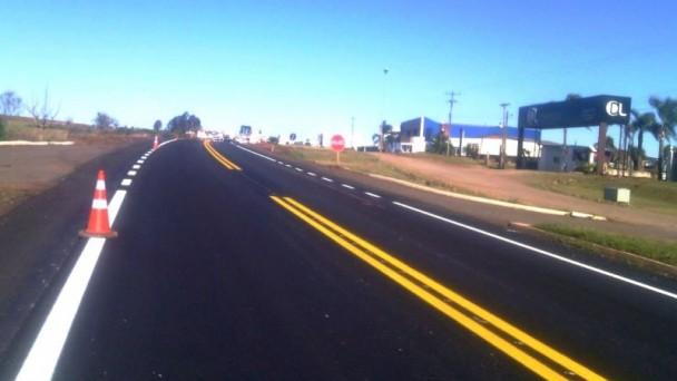Trabalhos de recomposição do pavimento ocorrem no contorno sul do município