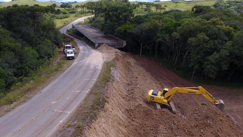 Execução das cabeceiras e sinalização da estrutura recebem investimento de R$ 824 mil
